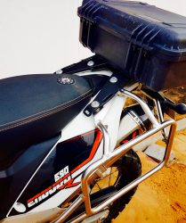 Touratech Racks und Wings Exhaust an der KTM 690